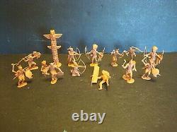 MARX Carry-All FORT APACHE Playset 4685 Tin Litho Metal Plastic Figures Flag Vtg