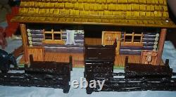 MARX PLAYSET VINTAGE TIN LITHO BAR-M-RANCH LOG CABIN With CHIMNEY 1950's WESTERN