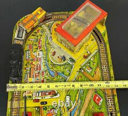 Marx Metal Wind Up Tin Lithograph Train Set and Layout 1950's Vintage RARE