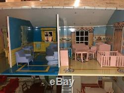 VINTAGE 1960s MARX TIN DOLL HOUSE 7 ROOMS w LOTS OF FURNITURE