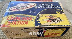 Vintage 1960s Rare Marx Tin Litho Space Satellite With Launching Station In Box