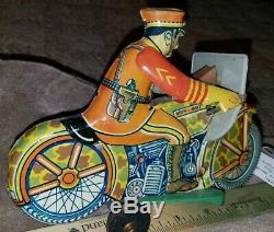 Vintage MARX TIN LITHO WIND UP CAMOUFLAGE MILITARY SPARKLING SOLDIER MOTORCYCLE