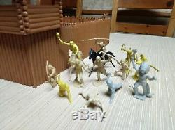 Vintage Marx Rin Tin Tin Fort Apache stockade with 60 mm Cavalry and Indians
