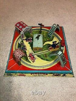 Vintage Marx Tin Wind-up PINCHED Motorcycle Cop on Track Toy! REDUCED