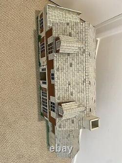Vintage Marx-a-million tin colonial dollhouse