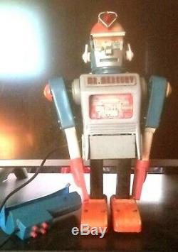 Vintage Tin Robot Mr. Mercury Rare 1953 1st. Version Working