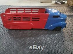 Vintage Wyandotte Marx Pressed Steel Large Toy Truck Tin Toy Grill tow truck